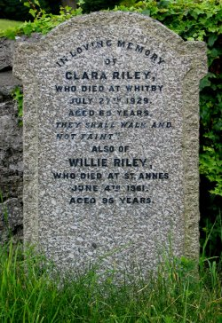 Clara & Willie Rileys' grave